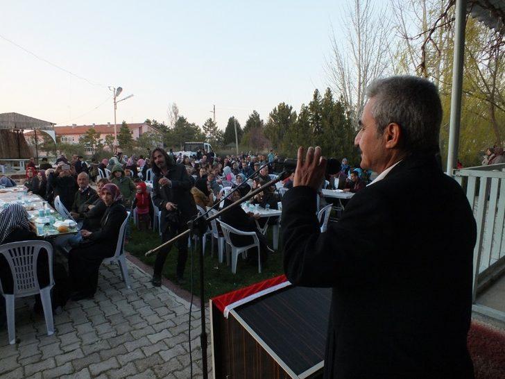 Başkan Büyükkarcı, ilçe halkına birlik ve beraberlik yemeği verdi