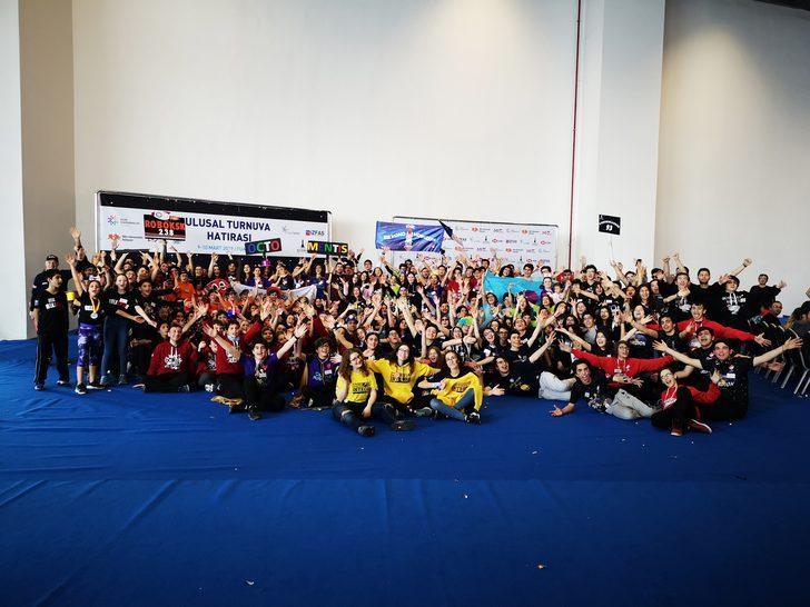 Bahçeşehir Koleji Robotik Takımları Houston'da yarışacak