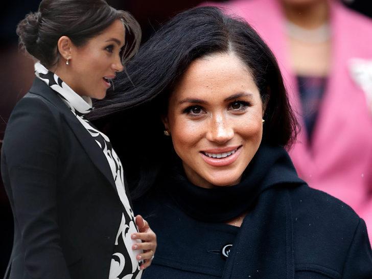 Meghan Markle evde mi doğum yapacak? Kraliçe Elizabeth'in ayak izlerini takip ediyor