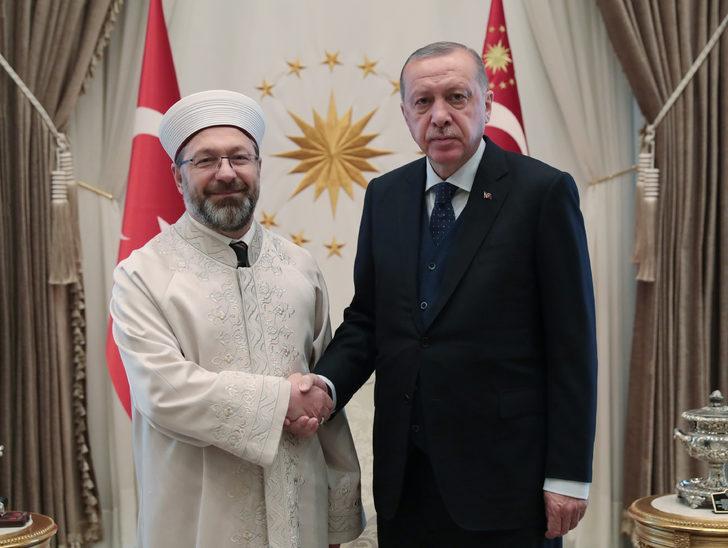 Erdoğan, Milli Savunma Bakanı Akar ile Diyanet İşleri Başkanı Erbaş'ı kabul etti