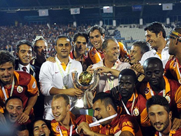 12 Ağustos 2012   Galatasaray 3 - 2 Fenerbahçe - Erzurum'da oynanan Süper Kupa mücadelesinde Galatasaray, Fenerbahçe'yi 3-2 yenerek kupaya uzandı.