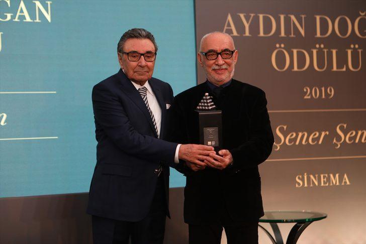 Şener Şen'e Aydın Doğan Ödülü!