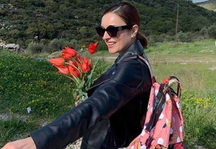 Ezgi Mola ve sevgilisi Mustafa Aksakallı'dan aşk dolu pozlar!