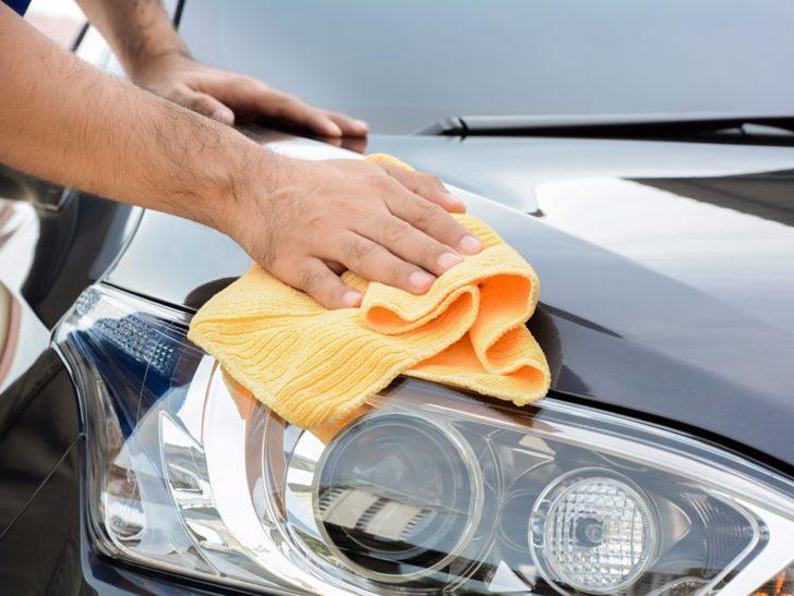 Dikkat arabanıza zarar veriyor olabilir! Kuş pisliği arabadan nasıl çıkartılmalı?