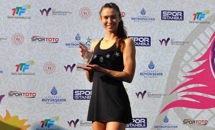 Lale Cup Uluslararası Tenis Turnuvası'nda şampiyon  Vitalia  Diatchenko