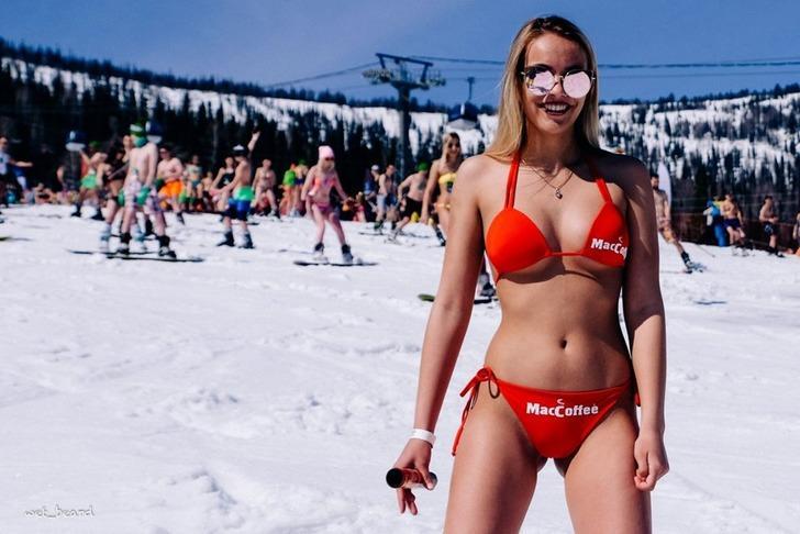 Sibirya soğuğunda çılgın kayak festivali: Grelka Festivali!