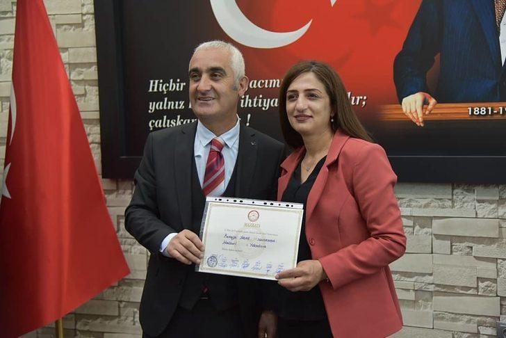 Yüksekova'da HDP'li Remziye Yaşar göreve başladı