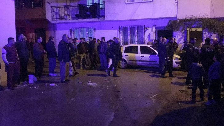 3 kişiyi bıçaklayan saldırganımahalleli linç etmeye çalıştı