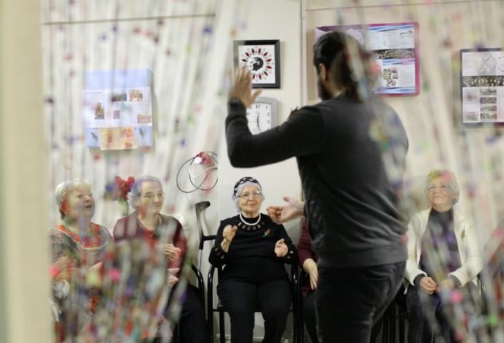 Parkinson hastalarına perküsyon eğitimi: Sen de dokun ritmin değişsin