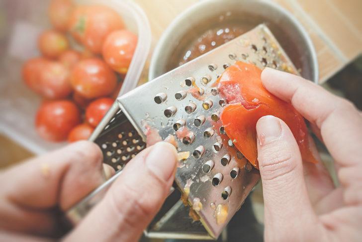 Uzmanlar uyardı! Salça yerine domates rendesi kullanırsanız...