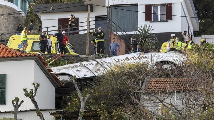 Portekiz'de otobüs devrildi: 28 Alman turist öldü