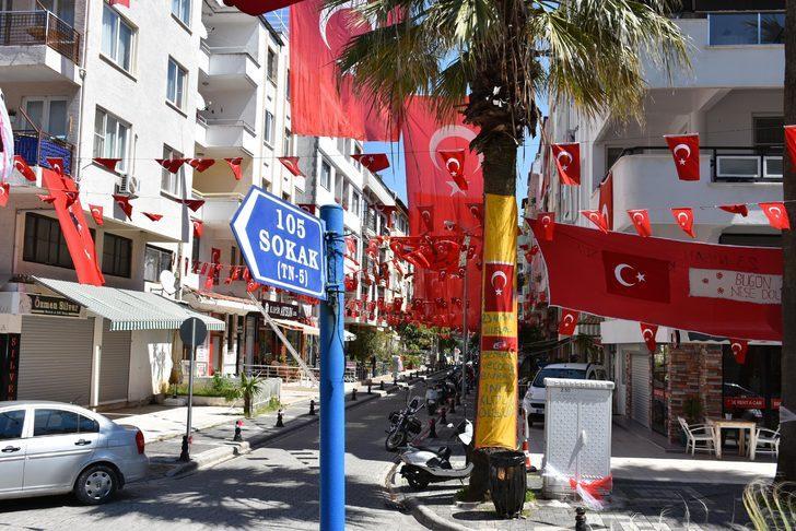 Marmaris'teki 105 sokak, imece usulüyle 23 Nisan'a hazırlandı