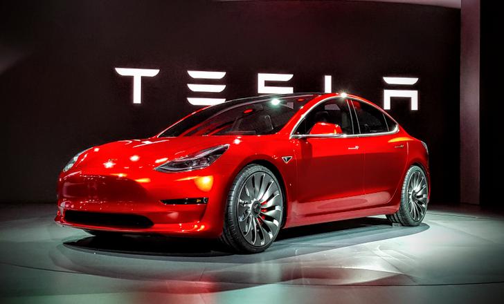 Otomobil tutkunları dikkat! Tesla İstanbul'a geliyor