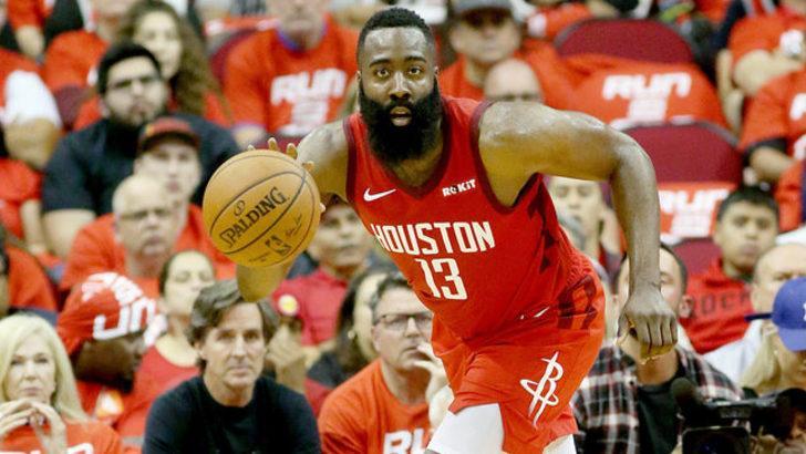 """James Harden """"triple-double"""" yaptı, Houston Rockets kazandı"""