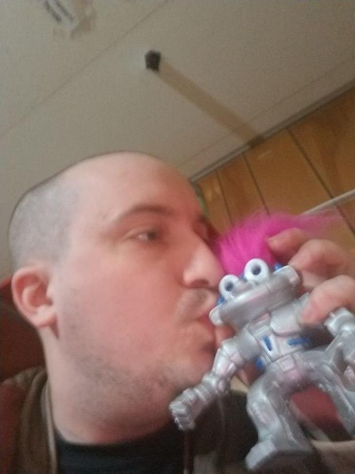 Aşkın gözü kördür: Robota aşığım, evleneceğim!