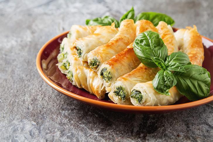 İster beş çayına ister kahvaltıya: Birbirinden enfes 5 börek tarifi