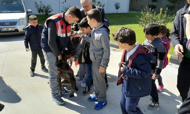 Söke'de çocuklar jandarmayla buluştu
