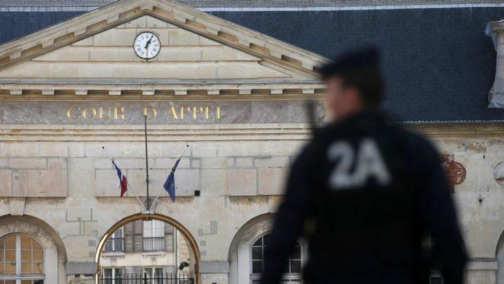 Fransız Yargısından Özel Sektörde Türbana 'Şartlı Onay'