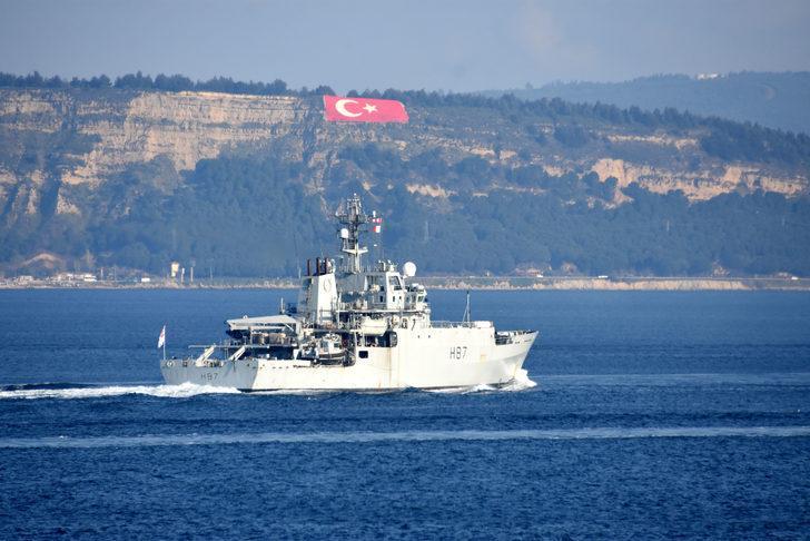 İngiliz savaş gemisi,Çanakkale Boğazı'ndan geçti