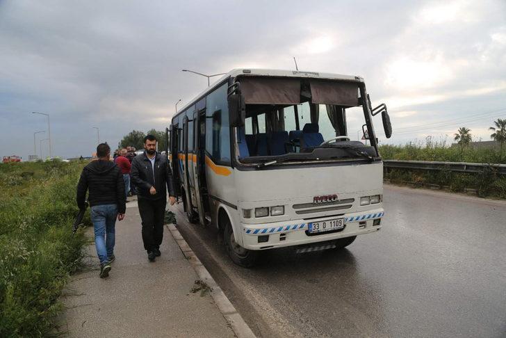 Mersin'de işçi servisi devrildi: 6 yaralı