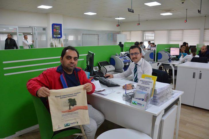 CK Enerji Boğaziçi Elektrik, 'Temiz Bir Dünya' için 25 bin bez çanta hediye ediyor