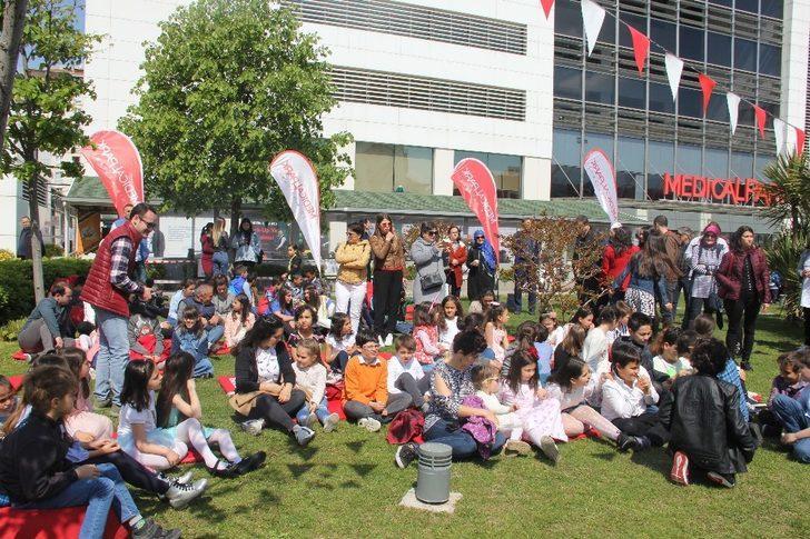 İzmir'de erken 23 Nisan coşkusu