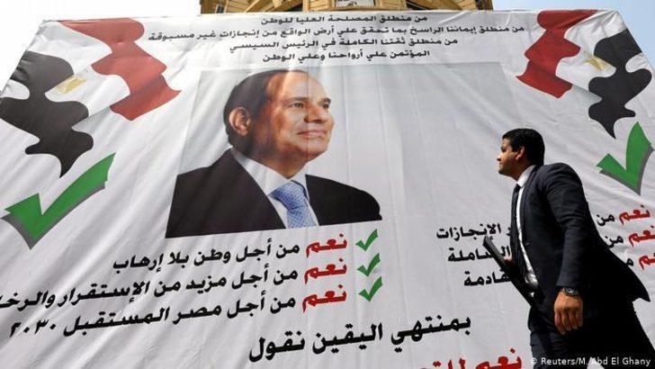 Mısır'da Sisi'yi 2030'a kadar koltukta tutmak için referandum