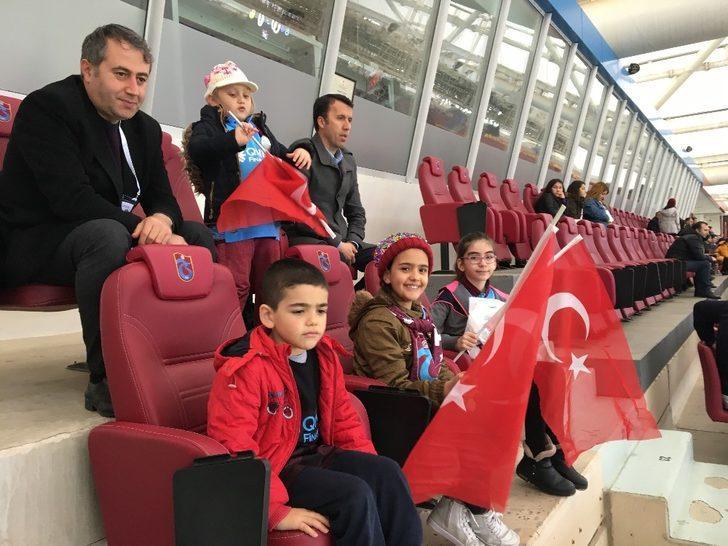 Basın mensupları Trabzonspor maçını aileleriyle birlikte izledi