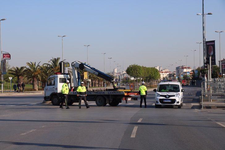 İstanbul'da Maltepe Sahil Yolu çift yönlü olarak trafiğe kapatıldı