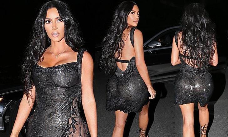 Kim Kardashian kıyafetiyle yine olay oldu!