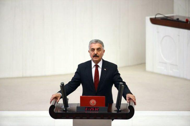 MHP'li Ataman: Tepki görmesi muhtemel yerde bulunması akla ziyandır