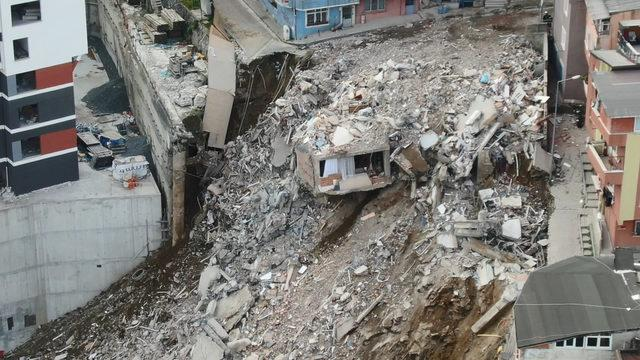 Kağıthane'de çökme ve yıkım sonrası son durum havadan fotoğraflandı