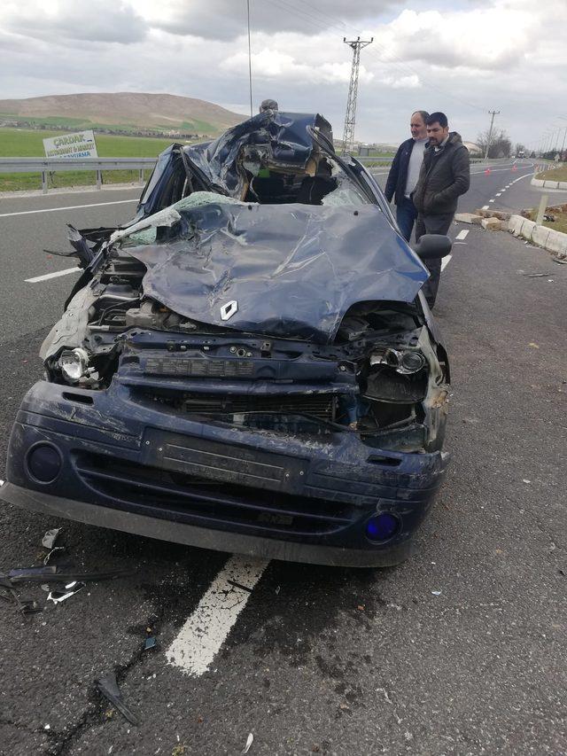 Elazığ'da 3 aracın karıştığı kaza: 5 yaralı