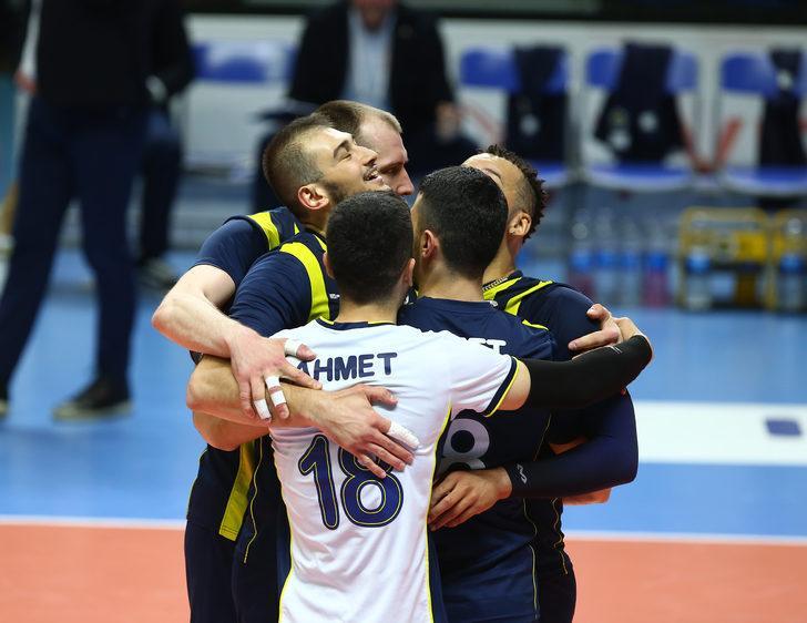 Fenerbahçe 2 - 0 Arkas Spor (Efeler Ligi play-off final serisi)
