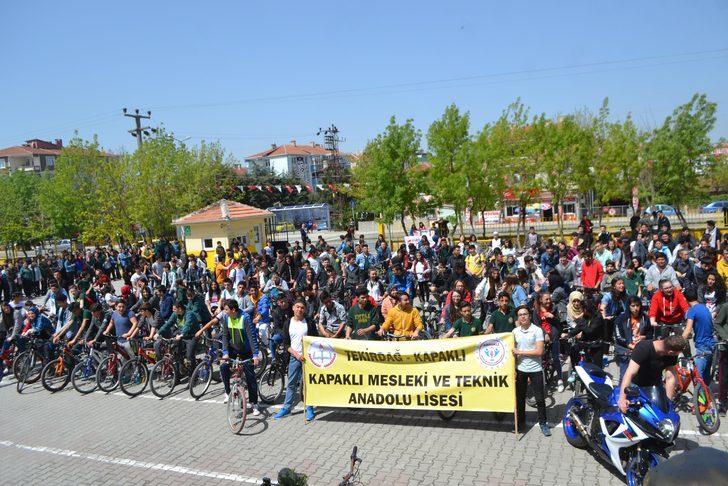 Liseliler, kötü alışkanlıklara karşı bisiklet festivali düzenledi