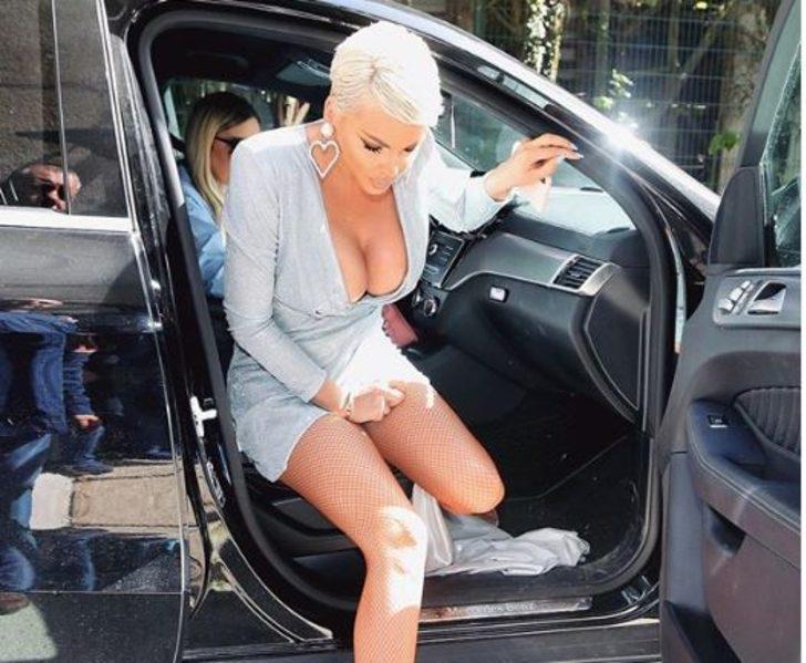 Arabadan en güzel inen kadın: Jelena Karleusa