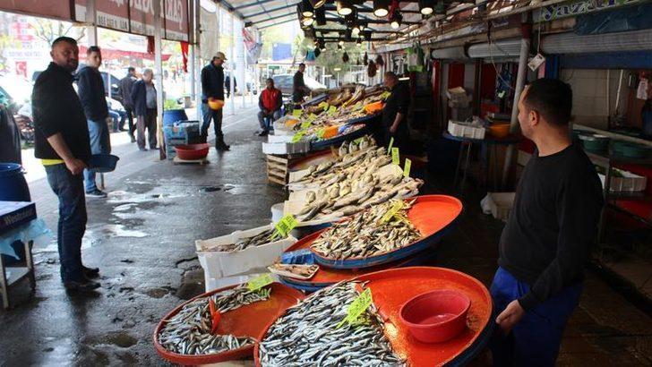 Kıyı balıkçılığı ile tezgahlar dolu