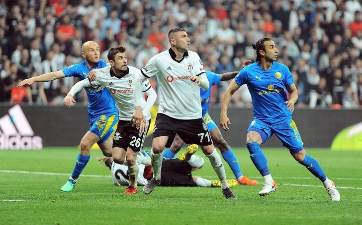Beşiktaş'ın 6'da 6 yapmasındaki en önemli faktör kalecisi ve forveti. Şampiyonluk yıllarına bakın Fabri - Cenk, Fabri - Aboubakar. Son 6 haftada Karius'un kurtarışları çok önemliydi.