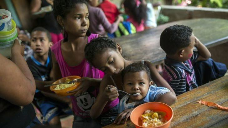 '300 Bin Venezuelalı Çocuk Kolombiya'da Yardım Bekliyor'