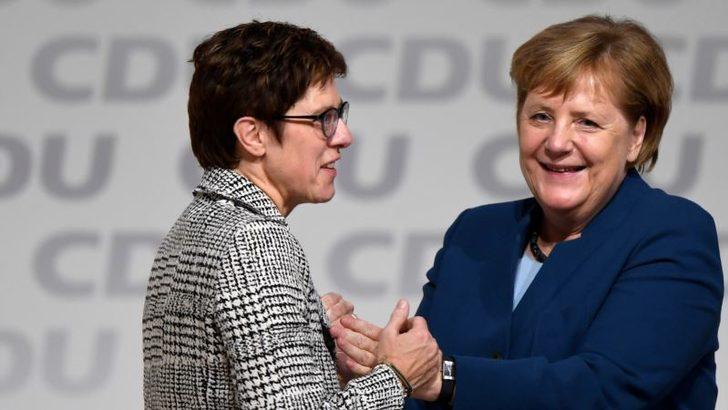 Almanya İktidar Ağır Eleştirilere Hedef Oluyor