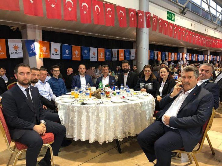 AK Partili meclis üyeleri MHP'den istifâ etti