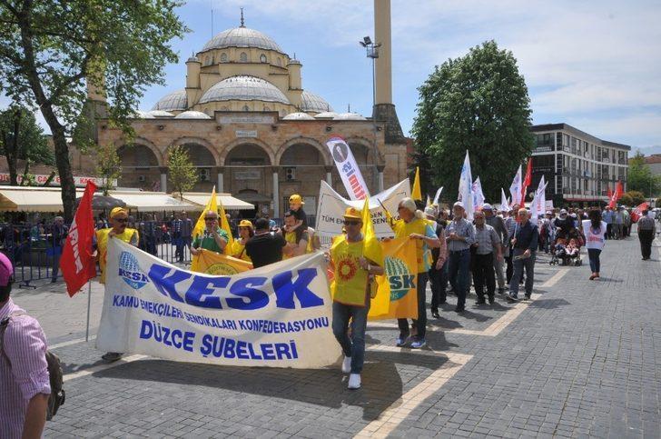 Düzce'de 1 Mayıs İşçi Bayramı kutlandı