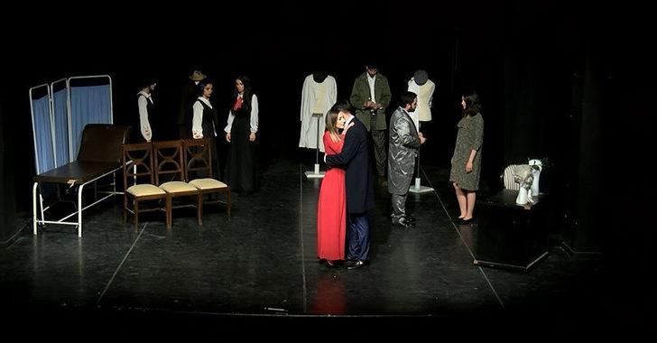 Üniversite öğrencilerinden tiyatro oyunu
