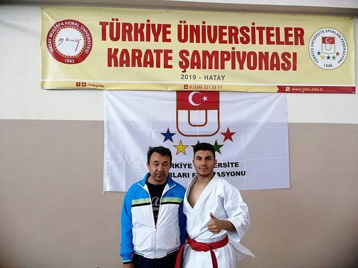 PAÜ erkek karate takımı Türkiye 3.'sü oldu