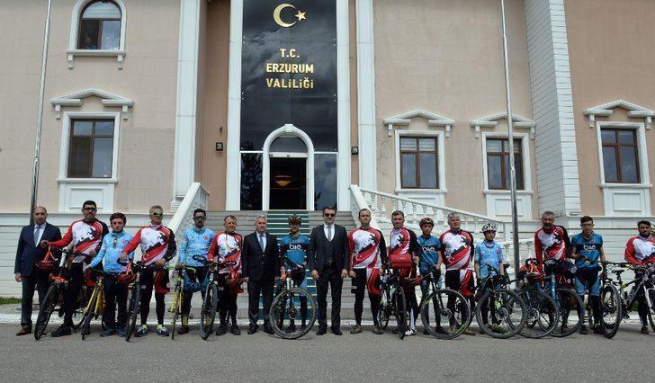 Samsun'dan yola çıkan Bisikletçiler Erzurum'a ulaştı