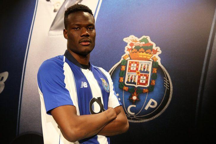 Loum N'Diaye - Braga > Porto | BONSERVİS BEDELİ: 7.5 milyon Euro