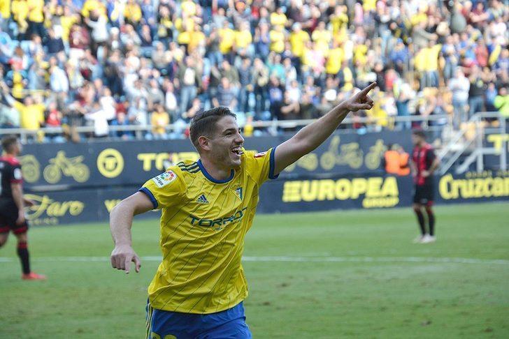 Manu Vallejo - Cadiz > Valencia | BONSERVİS BEDELİ: 5.5 milyon Euro