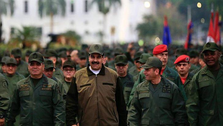 Maduro'dan yeni hamle! Dokunulmazlıklar kaldırıldı