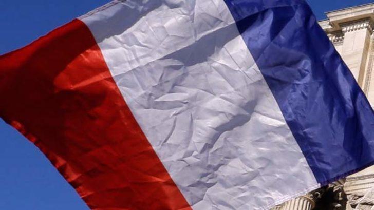 Macron sözünü tuttu! 28 Ezidi kadın sığınmacı olarak Fransa'ya getirildi