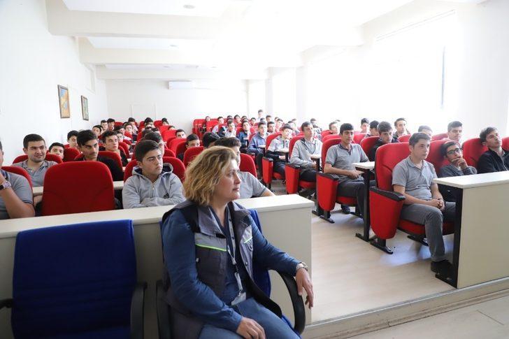 AKEDAŞ öğrencilere iş sağlığının önemini anlattı